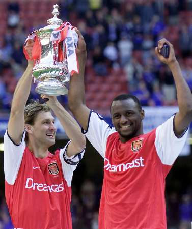 Adams and Vieira with FA Cup