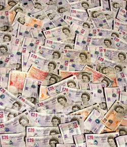 ist2_743827_english_money_backgroun